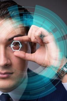Concept de vision futuriste avec homme d'affaires