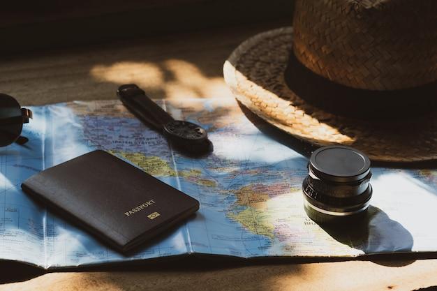 Concept de voyage accessoires pour le tourisme