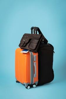 Concept de voyage avec disposition des bagages