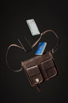Concept de voyage avec sac et passeport