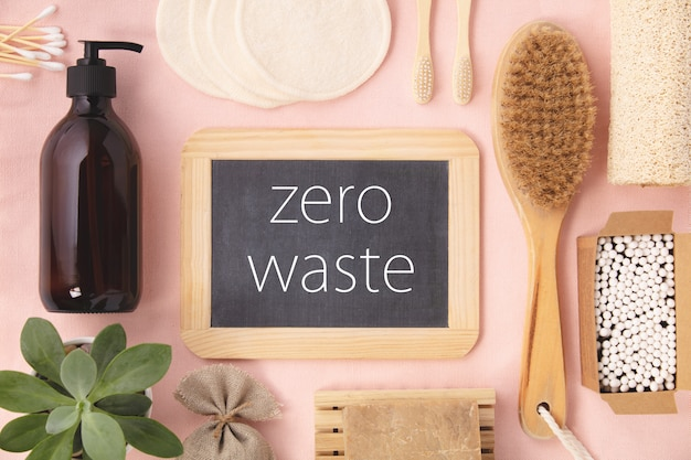 Concept zéro déchet. accessoires de salle de bain écologiques
