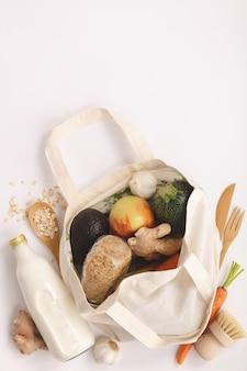 Concept zéro déchet. magasinage écologique, pose à plat