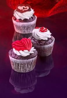 Conception de cartes de voeux avec des muffins pour la saint-valentin