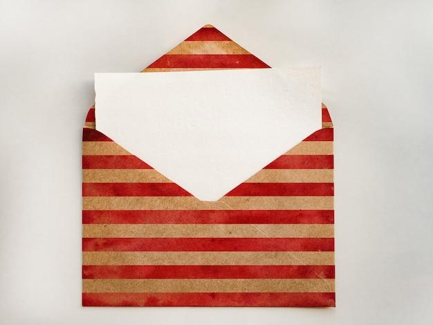 Conception d'une enveloppe aux couleurs du drapeau américain