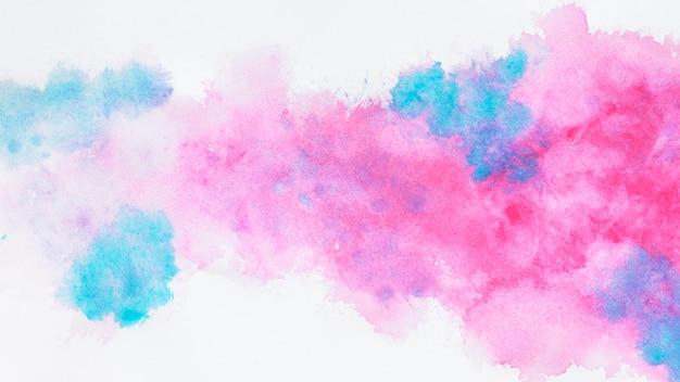 Conception de nuages roses et bleus