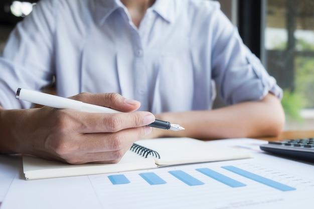 Concepts succès gestion de bénéfices finance de luxe
