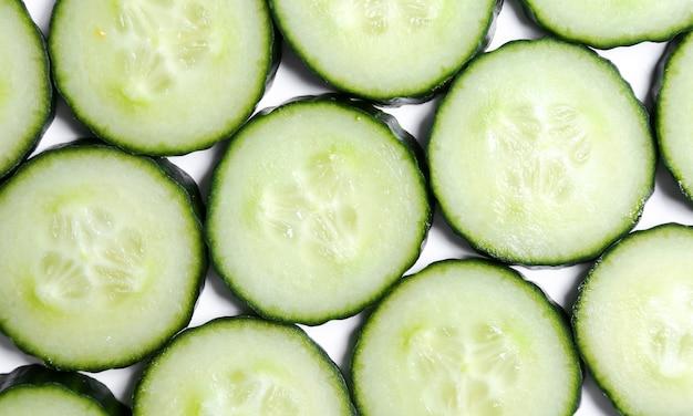 Concombre sur blanc