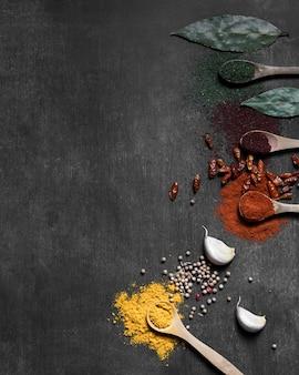 Condiments en poudre avec copie-espace