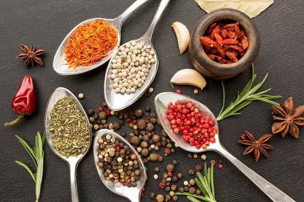 Condiments en poudre plats