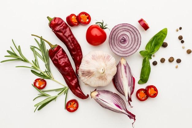 Condiments pour cuisiner sur table