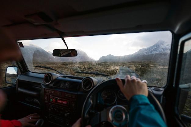 Conduire à travers les hautes terres