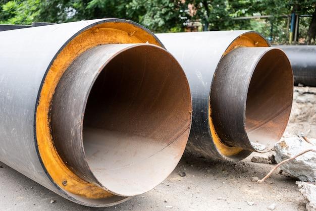 Conduites d'eau isolées, rénovation des infrastructures d'assainissement souterraines.
