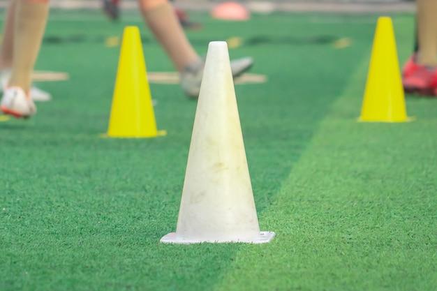 Cône de football et équipement pour l'entraînement de football de football