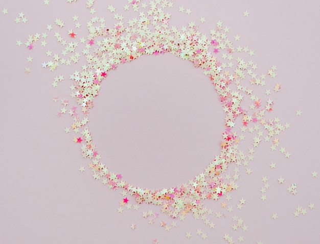 Confetti étoiles mignonnes cadre rond