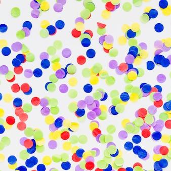 Confettis décoratifs vue de dessus