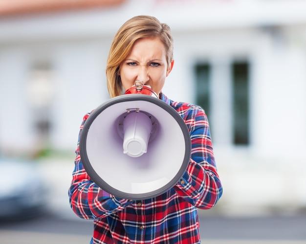 Confiant parler affaires femme publique