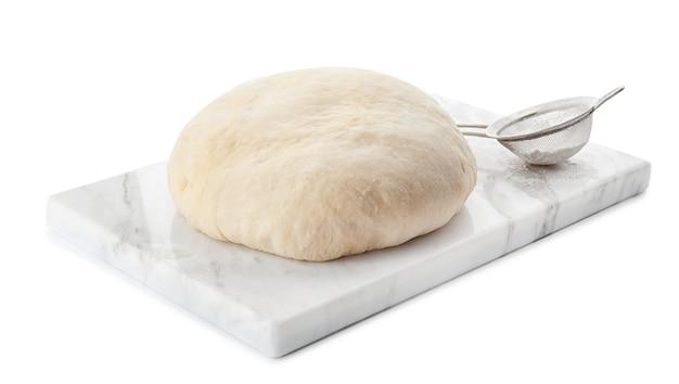 Conseil avec pâte crue et tamis isolé