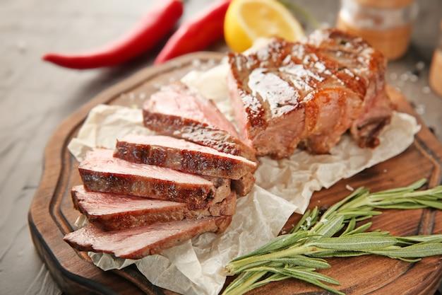 Conseil avec un steak grillé savoureux