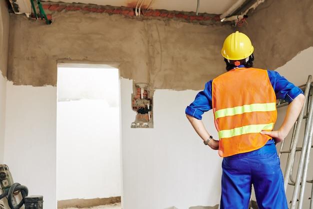 Constructeur évaluant la portée des travaux
