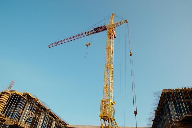 Construction de grues et construction.