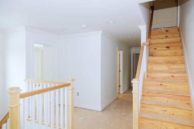 Construction intérieure de la salle de logement en construction