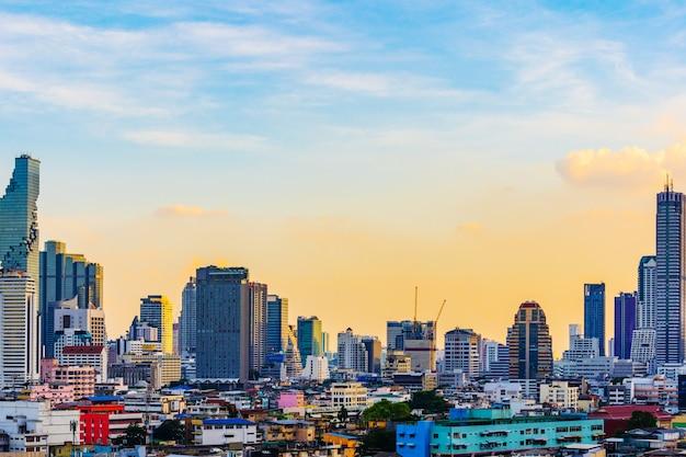 Construire avec le ciel à bangkok, thaïlande
