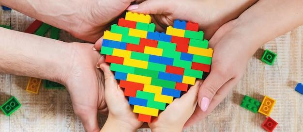 Construisez un cœur de lego design.