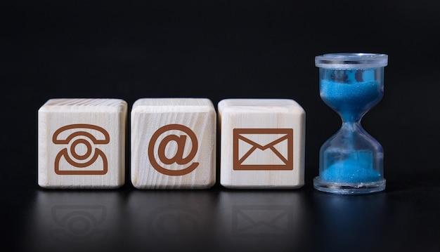 Contact icônes lettre email message téléphone concept