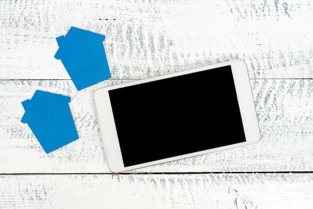Contacter les acheteurs, les investisseurs, les appels vidéo et les clients, l'évaluation de l'impôt foncier, la présentation du budget du ménage, la publication de photos en ligne, la présentation du plan de rénovation résidentielle