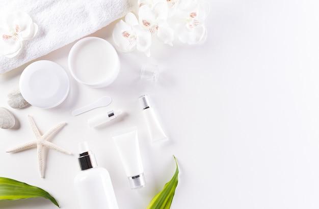 Contenants de bouteilles cosmétiques, crème pour la peau aux feuilles d'herbes vertes