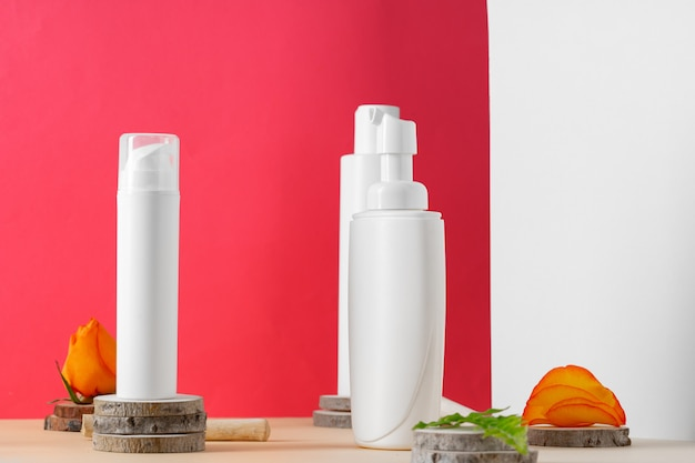 Contenants cosmétiques en plastique blanc