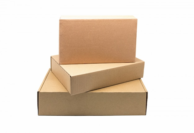Conteneur de boîte artisanale sur fond blanc