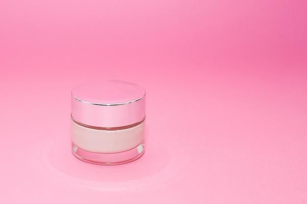 Conteneur de crème cosmétique beauté luxe rose