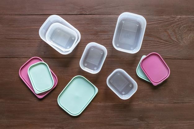 Conteneurs en plastique pour le transport et le stockage des produits alimentaires