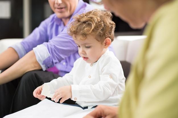 Le contenu de la relation enfant père recadrée