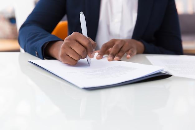 Contrat de femme d'affaires