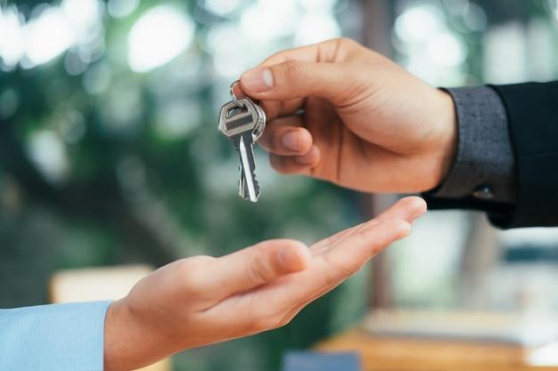 Contrat de location de maison de courtage immobilier.