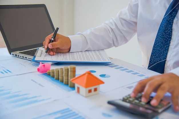Contrat pour la vente d'une nouvelle maison (lorem ipsum - faux texte)