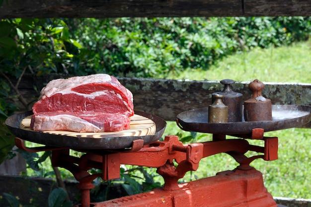 Contre steak cru tranché