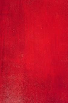 Contreplaqué peint en rouge.