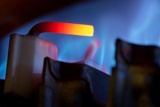 Contrôle du gaz et flammes bleues
