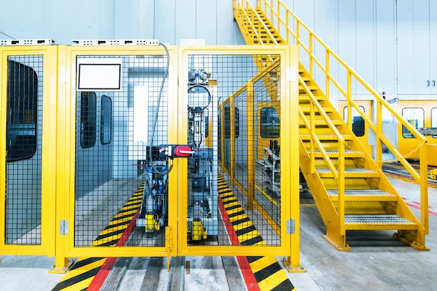 Convoyeur industriel géant pour produits chimiques et nitrate d'ammonium dans une usine de produits chimiques