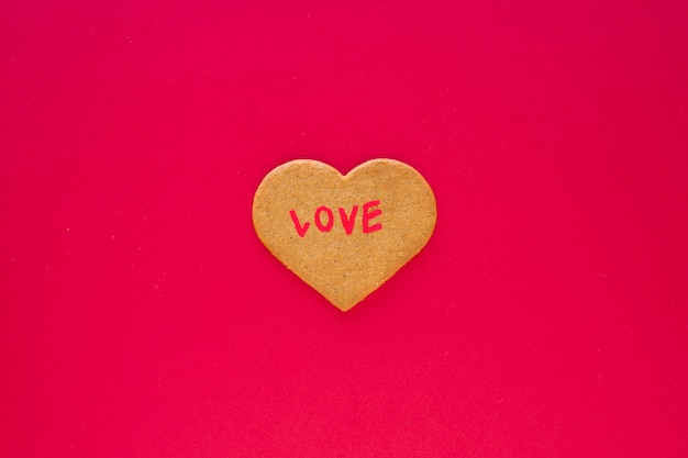 Cookie de coeur avec inscription d'amour