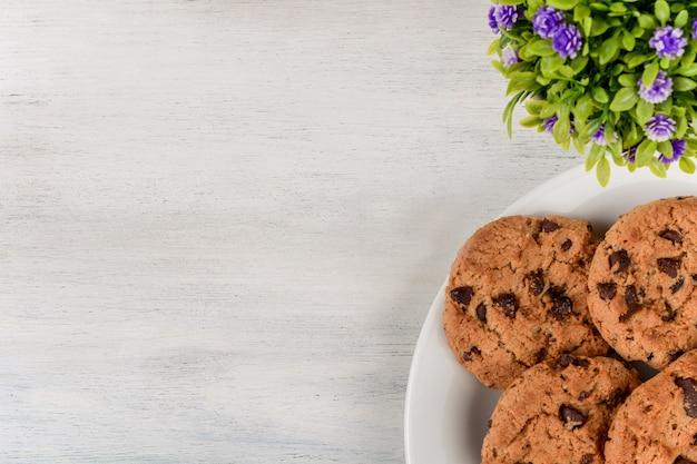 Cookies aux pépites de chocolat avec fond