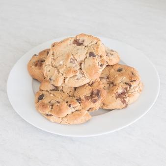 Cookies aux pépites de chocolat en plaque blanche