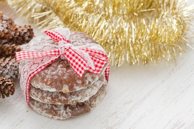 Cookies sur bois blanc
