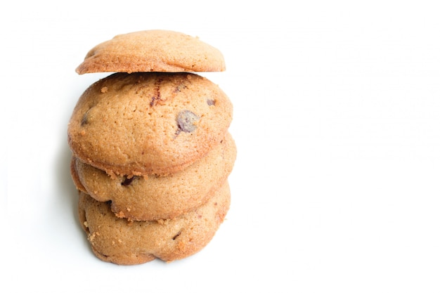 Cookies à grains entiers sur fond blanc