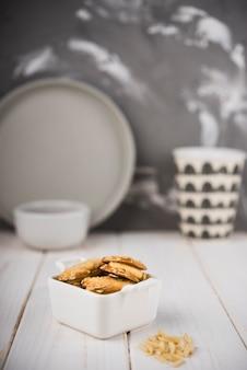 Cookies de gros plan dans un bol