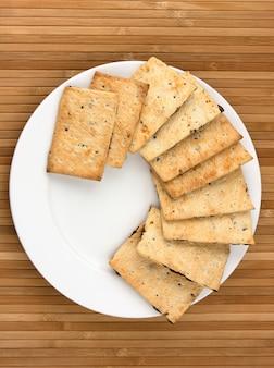 Cookies sur plaque blanche
