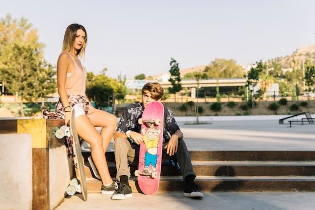 Cool couple de patineurs